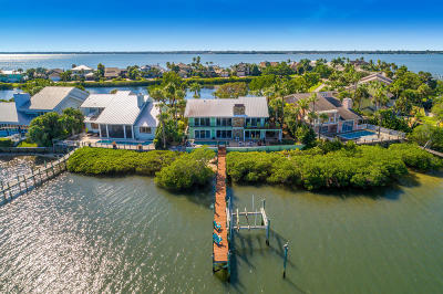 Martin County Single Family Home For Sale: 4040 NE Joes Point Road