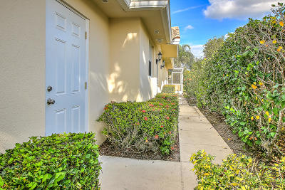 Lost Lake, Lost Lake @ Hobe Sound P.u.d., Lost Lake, Double Tree, Lost Lake At Hobe Sound Pud, Double Tree, Double Tree Plat 1, Double Tree, Lost Lake Single Family Home For Sale: 7839 SE Spicewood Circle