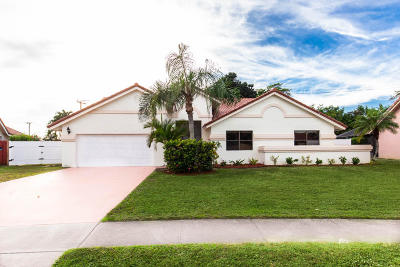 Boynton Beach Single Family Home For Sale: 9801 Majestic Way