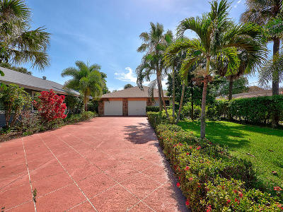 Lake Worth Single Family Home For Sale: 1402 Lakeside Drive