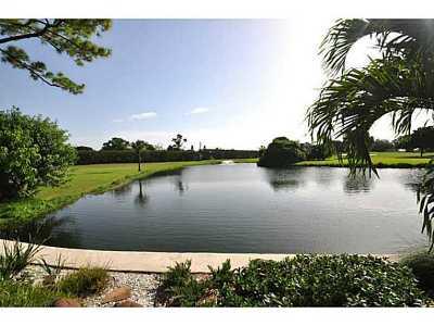 Delray Beach Condo For Sale: 800 Greensward Court #105-I
