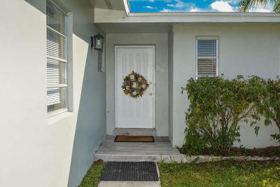 Port Saint Lucie Single Family Home For Sale: 1310 SE San Sovina Terrace