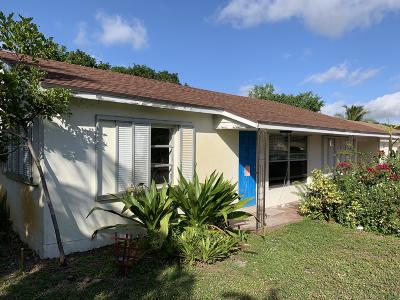 Lake Worth Single Family Home For Sale: 6873 Westview Drive