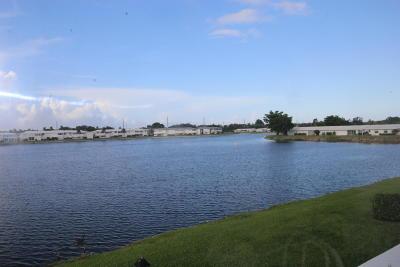 Boynton Beach Condo For Sale: 1801 Ocean Drive #213