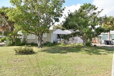 Lake Worth Single Family Home For Sale: 1331 S Lakeside Drive