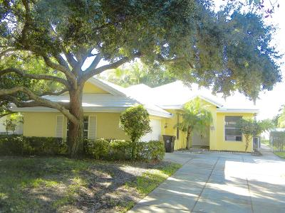 West Palm Beach Single Family Home For Sale: 985 Bear Island Drive