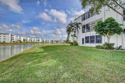 West Palm Beach Condo For Sale: 314 Wellington A