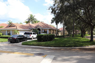 Jupiter Single Family Home For Sale: 101 E Hampton Way