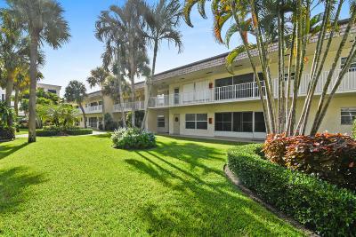 Boynton Beach Condo For Sale: 638 Snug Harbor Drive #E5