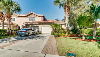 Boynton Beach Townhouse For Sale: 6611 Old Farm Trail