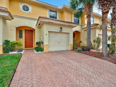 Palm Beach Gardens FL Townhouse For Sale: $216,500