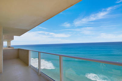 Singer Island Condo For Sale: 5440 Ocean Drive #Ph107