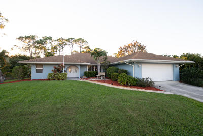 Jensen Beach Single Family Home For Sale: 2828 NE Cold Spring Drive