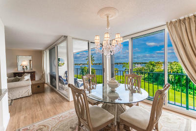 North Palm Beach Condo For Sale: 122 Lakeshore Drive #433