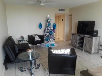 West Palm Beach Condo For Sale: 500 Executive Center Dr. Drive #5a