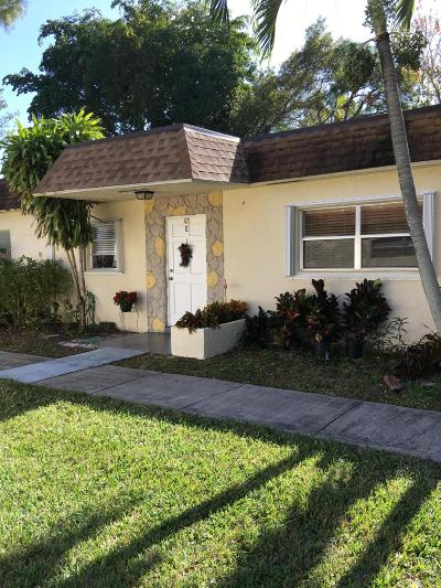 Deerfield Beach FL Single Family Home For Sale: $124,900