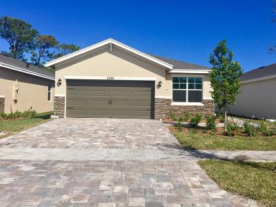 Hobe Sound Single Family Home For Sale: 5725 SE Kawana Trail