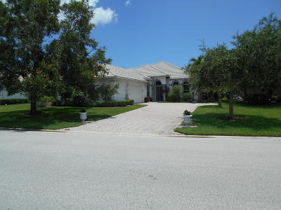 Jensen Beach Single Family Home For Sale: 3929 NW Willow Creek Drive