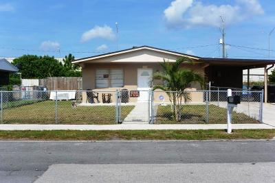 Lake Worth Single Family Home For Sale: 1103 S Ridge Street