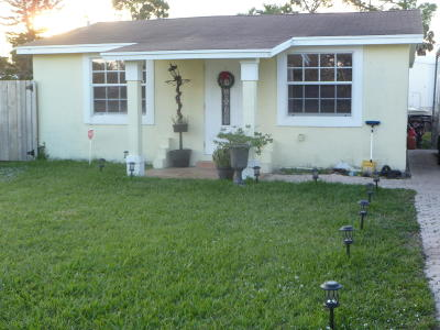 West Palm Beach FL Single Family Home For Sale: $199,867