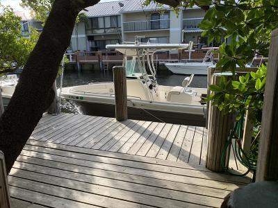 Boynton Beach Townhouse For Sale: 736 Mariners Way