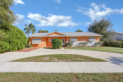North Palm Beach Single Family Home For Sale: 736 Prosperity Farms Road