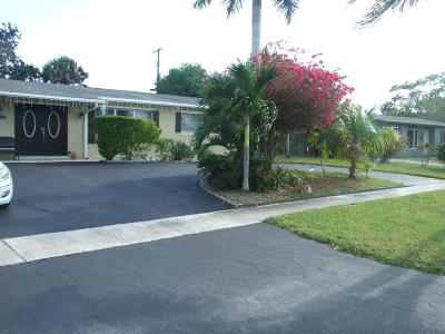 Single Family Home For Sale: 12208 Hillman Drive