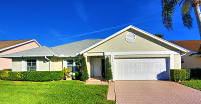 Jupiter Single Family Home For Sale: 114 Palomino Drive