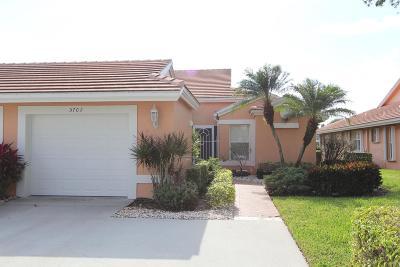 Boynton Beach Single Family Home For Sale: 5702 Royal Lake Circle