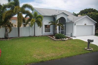Boynton Beach Single Family Home For Sale: 38 Bentwater Way