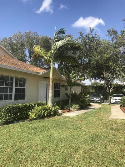 Greenacres Single Family Home For Sale: 2501 Maplewood Drive