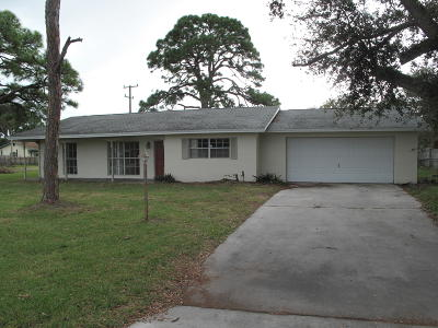 Fort Pierce Single Family Home Contingent: 2413 Saint Lucie Boulevard