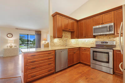Jupiter Condo Contingent: 6556 Chasewood Drive #E