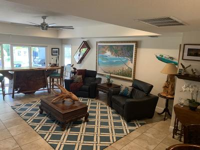 Hobe Sound Single Family Home For Sale: 8069 SE Camellia Drive
