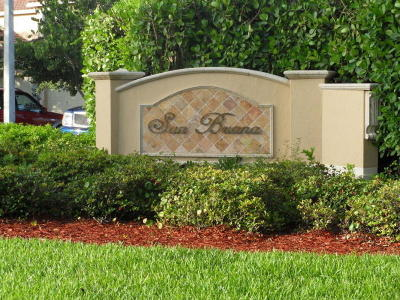 Deerfield Beach Townhouse For Sale: 4063 Crystal Lake Drive
