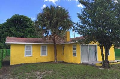 Lake Worth Single Family Home For Sale: 512 S D Street