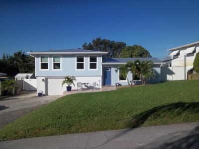 Jensen Beach Single Family Home For Sale: 3758 NE Melba Drive