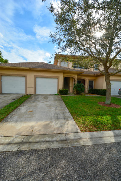 Fort Pierce Condo For Sale: 1849 S Dovetail Drive #1