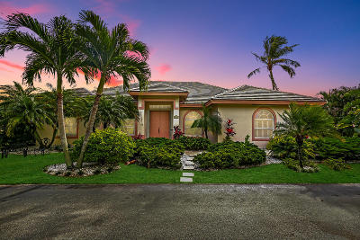 Hobe Sound Single Family Home For Sale: 8040 SE Waterway Drive
