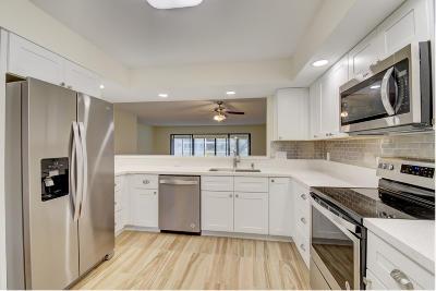 Boynton Beach Condo For Sale: 11216 Aspen Glen Drive