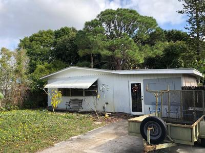 Jensen Beach Single Family Home For Auction: 1129 NE Wright Avenue