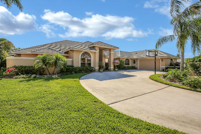 Wellington Single Family Home Contingent: 1300 Wood Row Way
