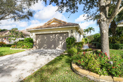 Delray Beach Single Family Home For Sale: 4635 Sherwood Forest Drive
