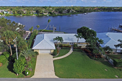 Tequesta Single Family Home Contingent: 23 Saddleback Road