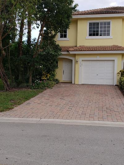 West Palm Beach Townhouse For Sale: 1119 Imperial Lake Road