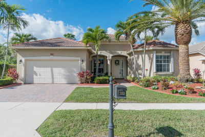 Single Family Home For Sale: 9546 Lantern Bay Circle