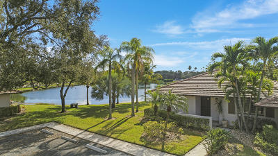 Palm Beach Gardens Townhouse For Sale: 118 Club Drive