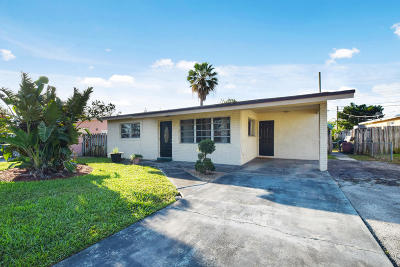 Lantana Single Family Home Contingent: 1340 Date Palm Drive