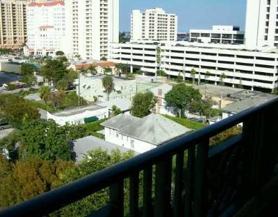 West Palm Beach Condo For Sale: 600 S Dixie Highway #813