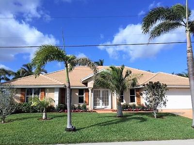 Palm Beach Shores Single Family Home For Sale: 201 Cascade Lane